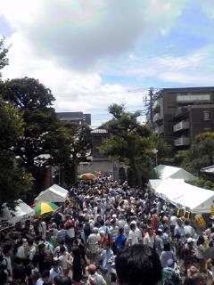 今日の予定の一つ目は落語協会の「円朝祭り」